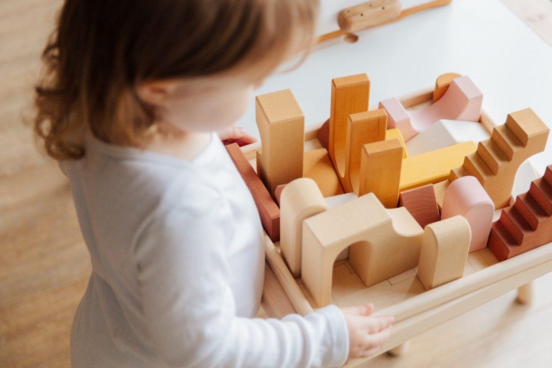 Jouet en bois, les meilleurs jouets d'éveil